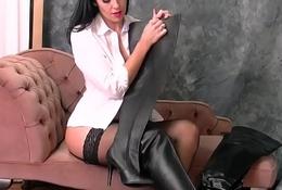 Kinky babe in sexy boots nylon panties