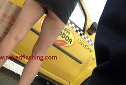 Milf wearing mini skirt show upskirt upside taxi