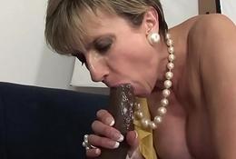 British MILF Lady Sonia fucks and sucks a HUGE BBC