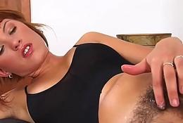 Hot ansie pees and masturbates HD - 666porncam.com