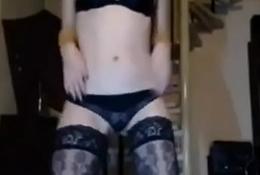 sister sexy dancing