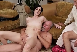 Teen pet rimmed and fingered by seniors