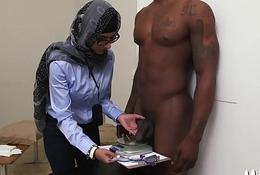 Deepthroat arab blow job session