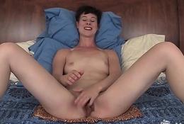 Yanks Quinn Enjoys Self Pleasure And Peace
