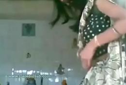desi bhabhi fucked in temple mms
