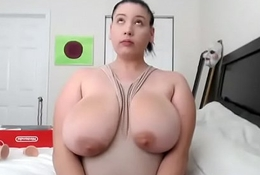 Fat bbw chatting and showing her ass live