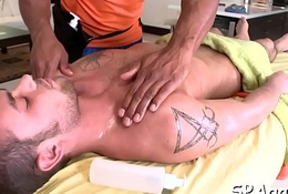 Bare homo male massage